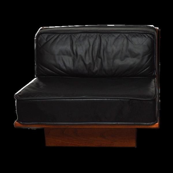 Paire de fauteuils design en cuir 1980