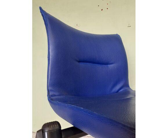 Chaise tecno en cuir bleu, années 80