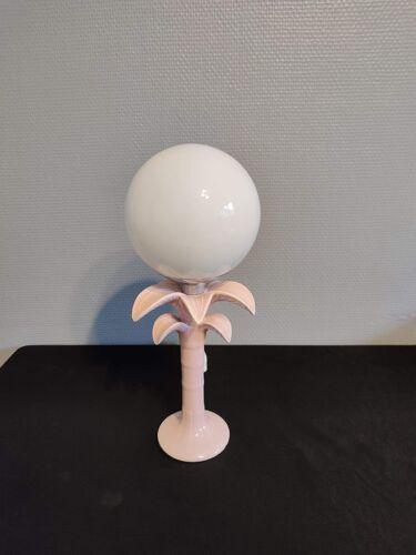 Lampe palmier en céramique rose et globe opaline blanc