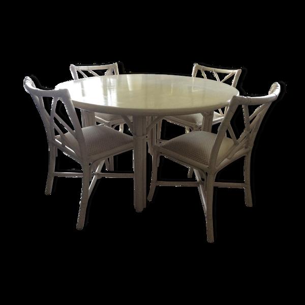 Table repas et ses quatre chaises