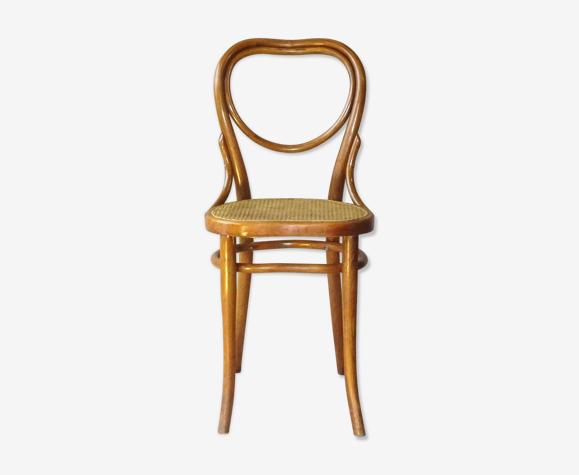 Chaise bistrot Coeur modéle Thonet N°28 fabrication Thonet de 1925 cannée