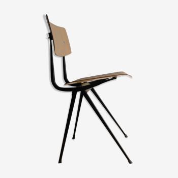 Chaise d'école Result par Friso Kramer