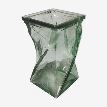 Vase design verre torsadé