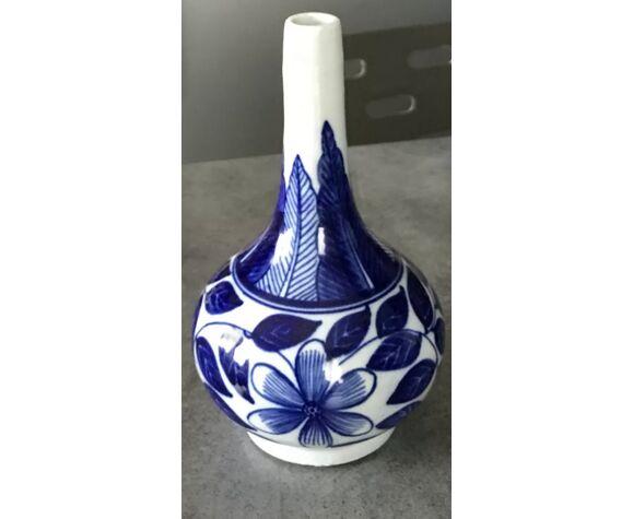 Ancien vase soliflore en porcelaine à décor floral bleu d'asie 18 cm