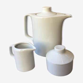 Service à thé ou café trois pièces en porcelaine