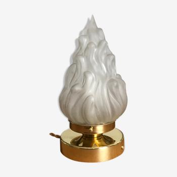 Lampe globe à poser flamme en verre et support en laiton