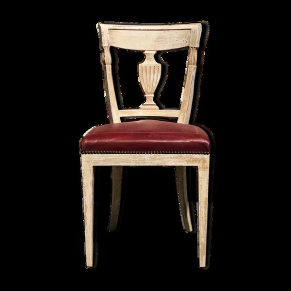 Six chaises patinées