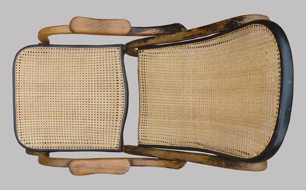 Chaise pliante en bois courbé