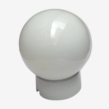Applique globe en verre et porcelaine