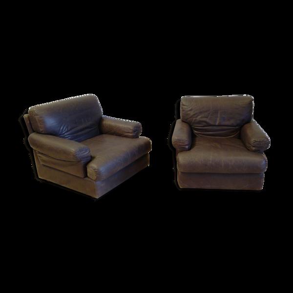 Paire de fauteuils Steiner en cuir