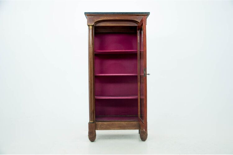 Vitrine antique - une armoire, France, vers 1880