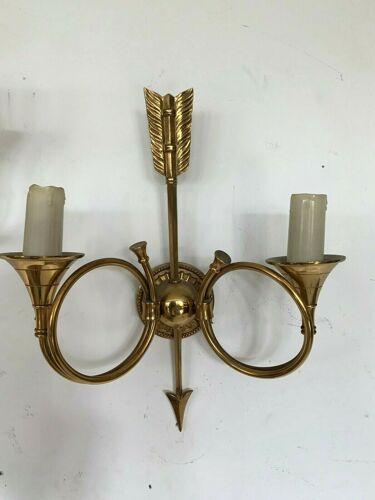 Deux appliques en bronze model aux cors de chasse XX siècle