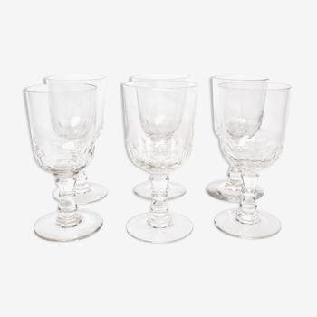 6 verres à pied en verre taillé
