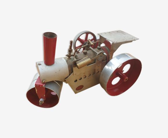 Locomotive en tôle jouet