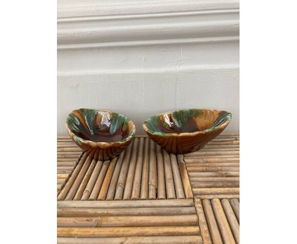 Pair of cups