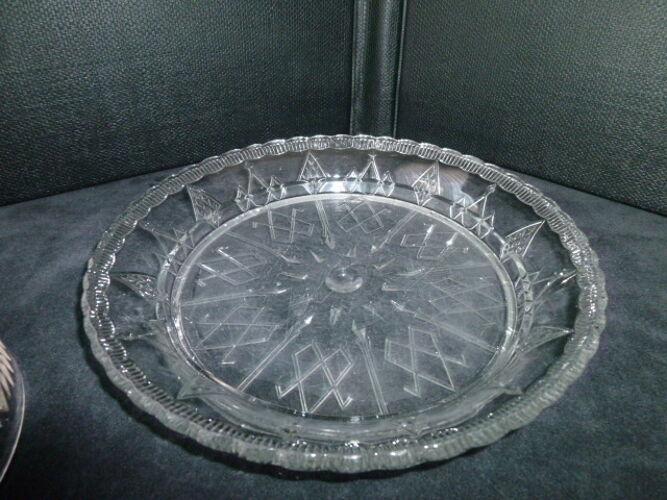 Cloche à fromage sur son plateau en verre pressé moulé Scailmont Manage