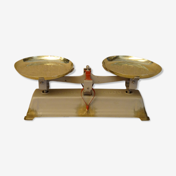 Ancienne balance force 5 kg type roberval plateaux laiton ref:A210/24