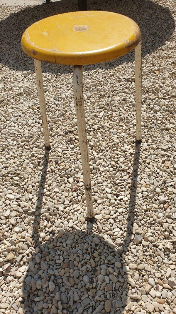 Lot de 7 tabourets rond bois industriels tripodes