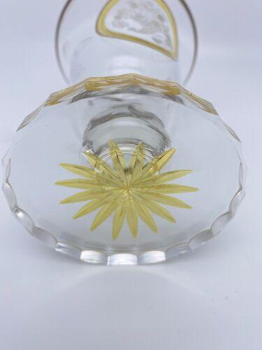Vase en cristal de bohème gravé