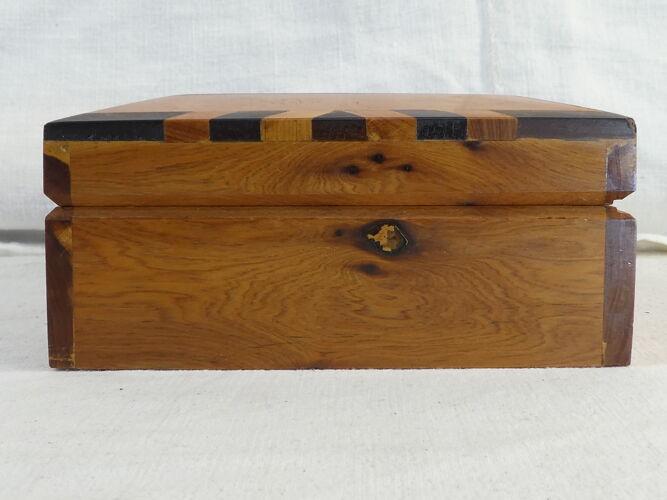 Coffret ou boite a bijou en bois maqueterie et nacre