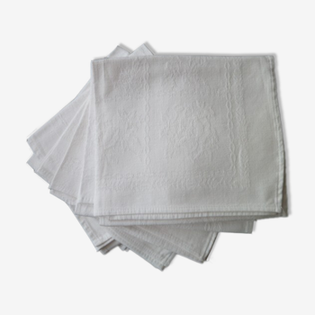 Set of 6 white damask cotton napkins