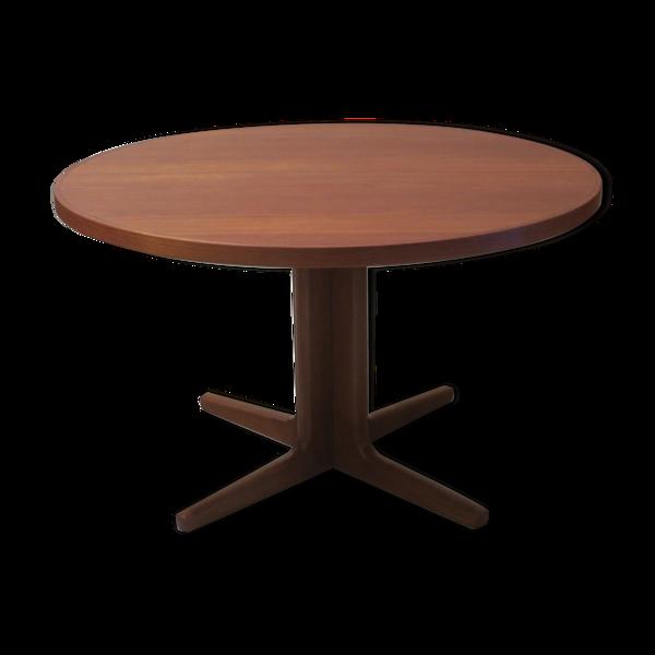 Table circulaire estampillée Vejle Mobelfabrik, fabriquée au Danemark