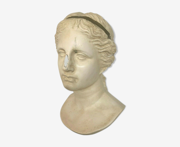 Buste d'Aphrodite en stuc patiné socle en bois noir XX siècle