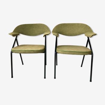 Paire de fauteuils par Robin Day pour Airborne circa 1950.
