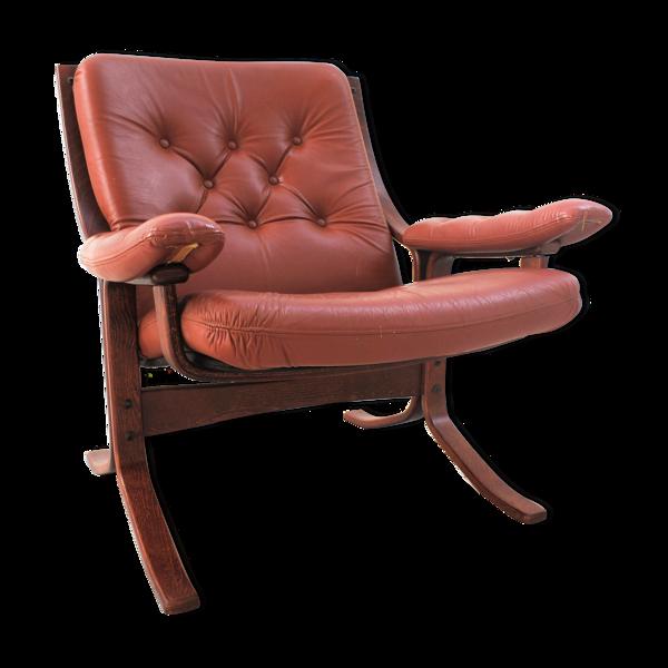 Fauteuil scandinave en bois et cuir cognac