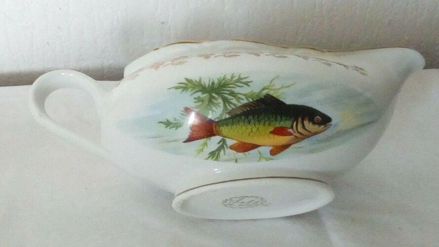 Sauciere en porcelaine de france digoin decor de poissons