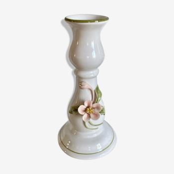 Bougeoir en faïence décor fleur barbotine