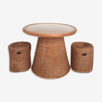 Ensemble table en rotin modèle Champignon et ses 2 tabourets