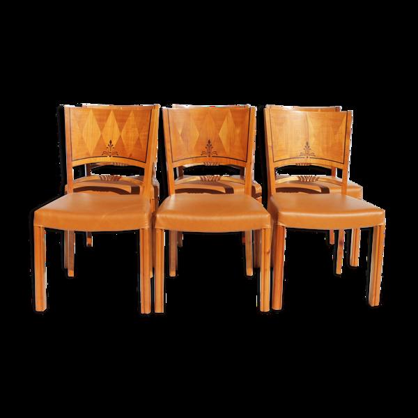 Ensemble de six chaises de différents types de bois