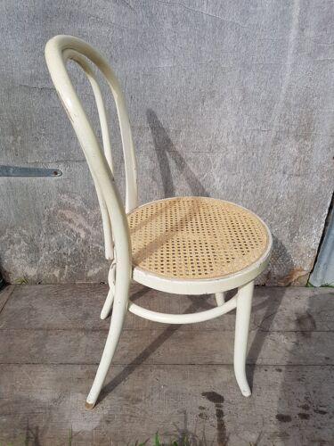 Série de 4 chaises  n°18 1/2 bois courbé blanc avec assise cannée vintage