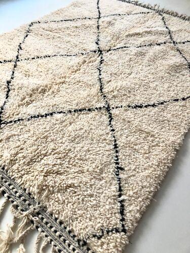 Tapis berbère marocain Beni Ouarain à losanges noirs 2,08x1,58m
