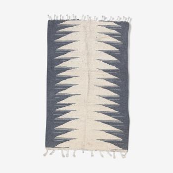 Tapis berbère marocain Kilim écru et gris clair 1,5x0,97m