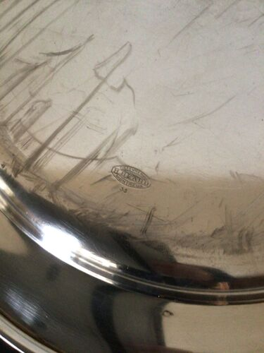 Plat semi-oval en métal argenté Beard Suisse