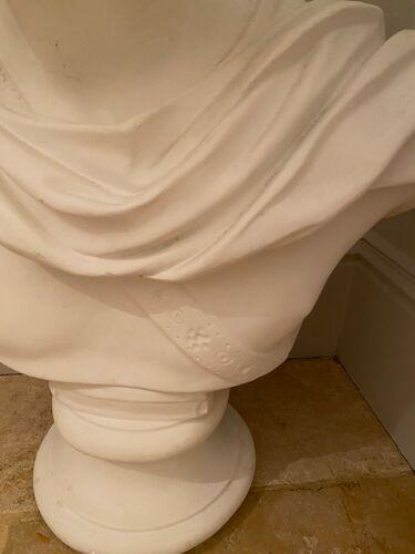 Statut sculptée en plâtre travail artisanal italien provenance d'un chateau