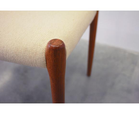 Suite de 4 chaises vintage par Niels Otto Møller pour J.L. Møllers