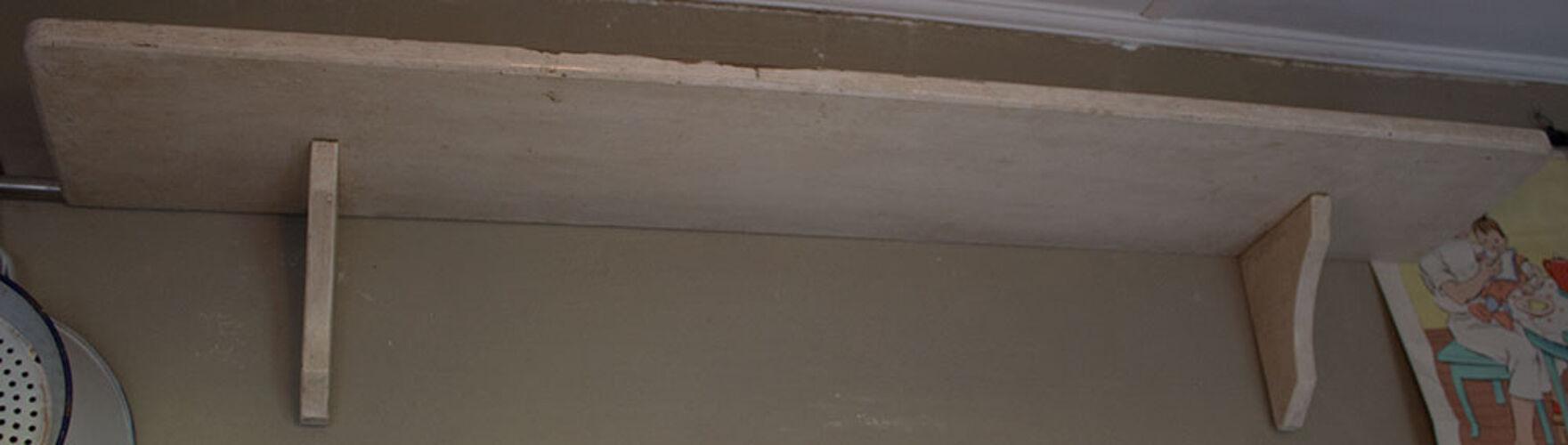Étagère vieille patine blanche 86 cm