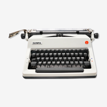 Typewriter Olympia SM9 white revised ribbon new 1978