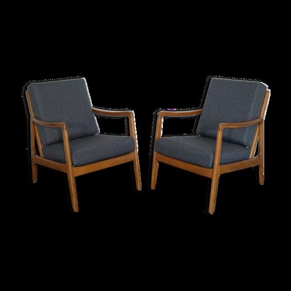 Paire de fauteuils danois en hetre de Ole Wanscher modele FD109
