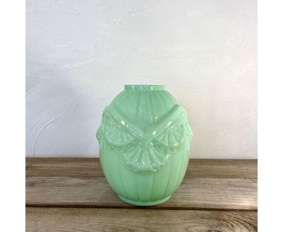 Vase art déco en opaline