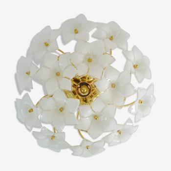 Plafonnier vintage à fleur en verre de Murano et laiton à 3 Feux. Année 70