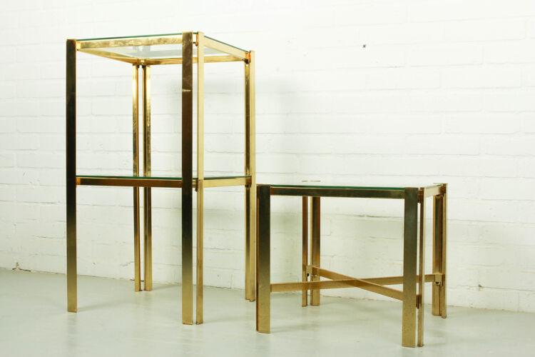 Paire de tables d'appoint de style régence hollywoodienne, années 1970