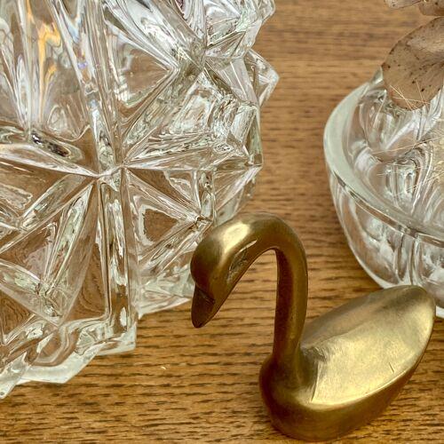 Baladeuse globe vintage en verre moulé