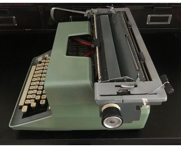 Machine à écrire Remington international