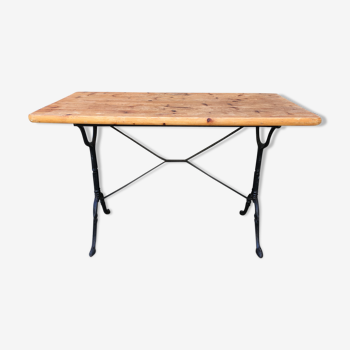 Table de bistrot en bois brut