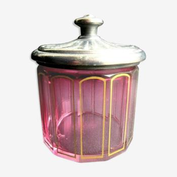 Boite à poudre cristal rouge à côtes dorées Baccarat Saint-Louis, couvercle métal