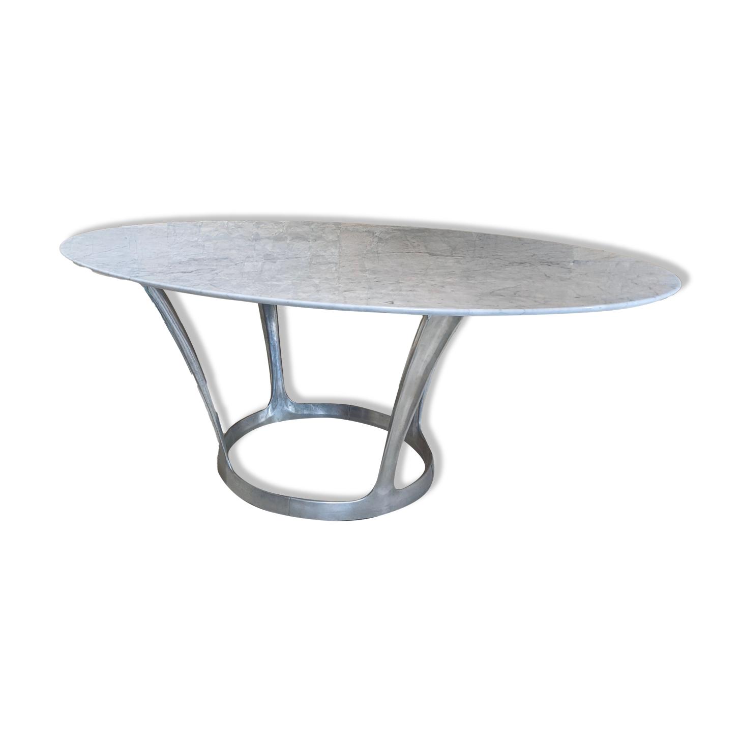 Table ovale en marbre de Michel Charron